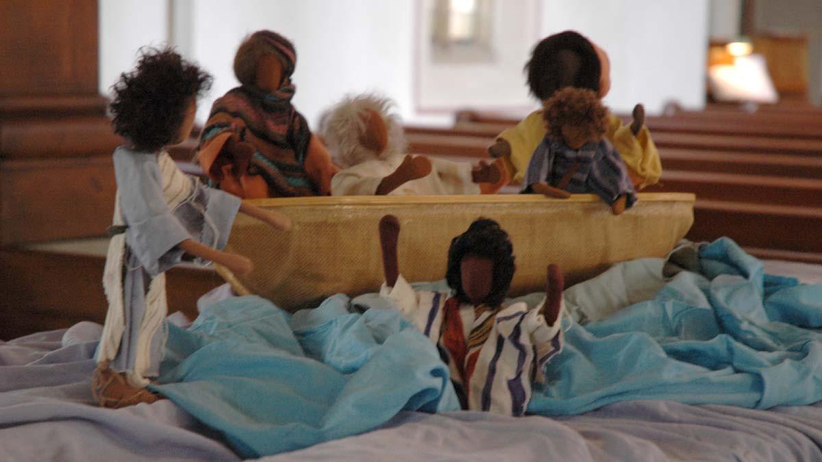 Szenen aus dem Leben des Petrus nachgestellt mit Egli-Figuren
